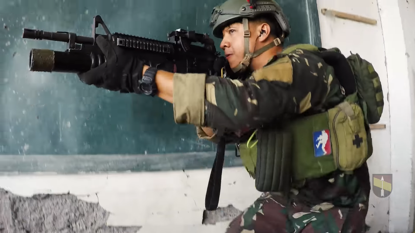 NOBLE WARRIORS: SNAPPY SALUTE TO OUR FILIPINO SOLDIERS!