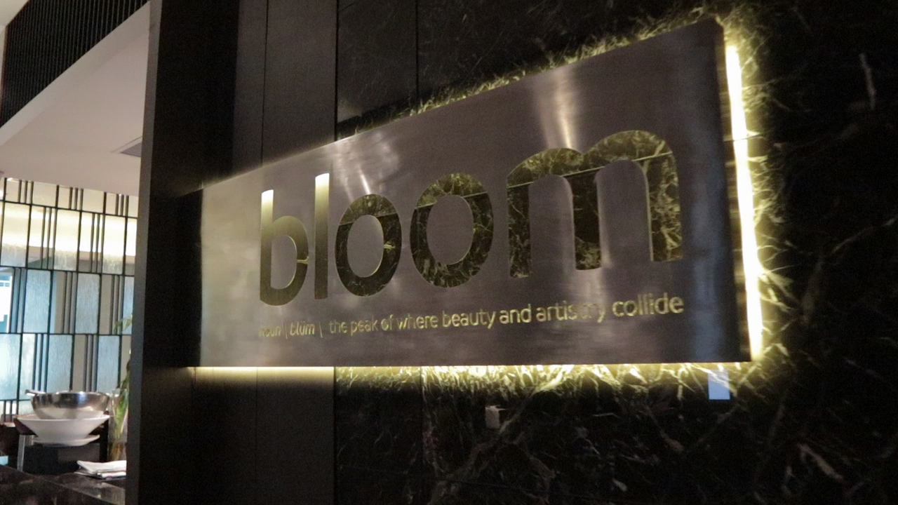BLOOM: Fusion of Global Cuisine