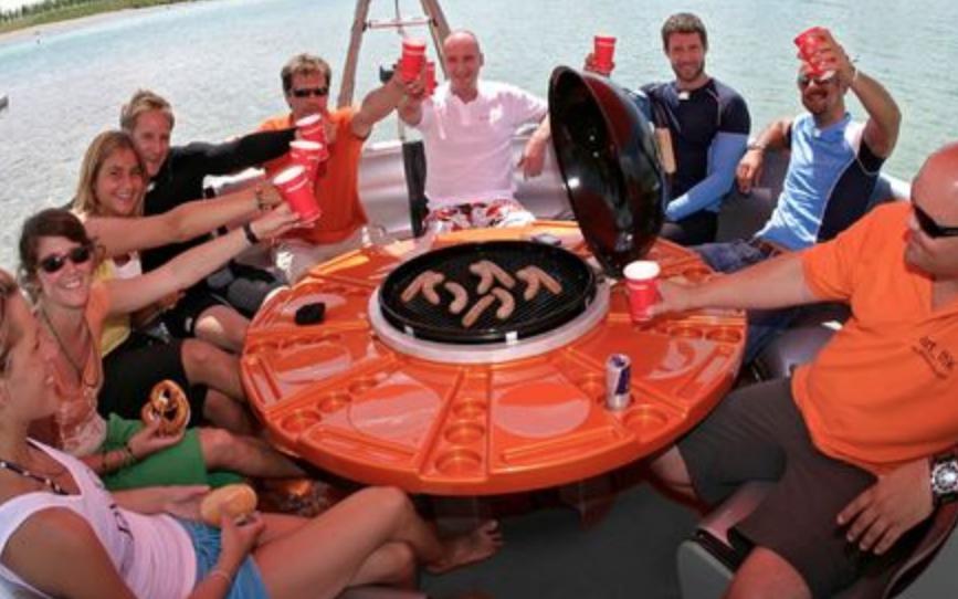 Uy BBQ Boat!