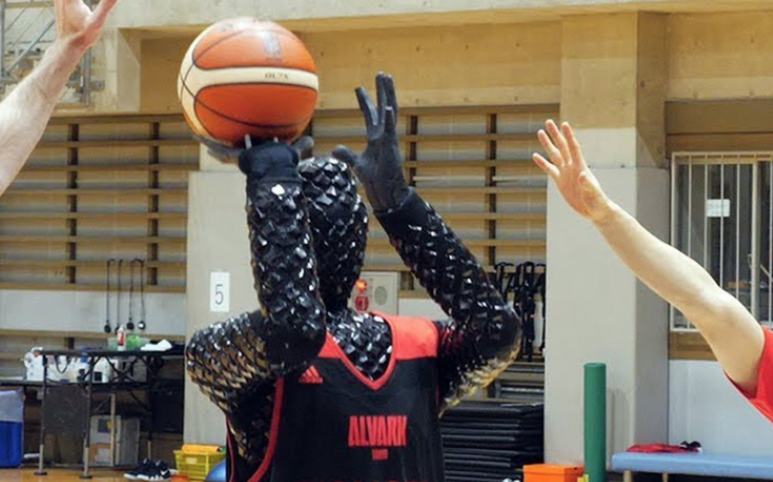 This Robot is Better Than Steph Curry