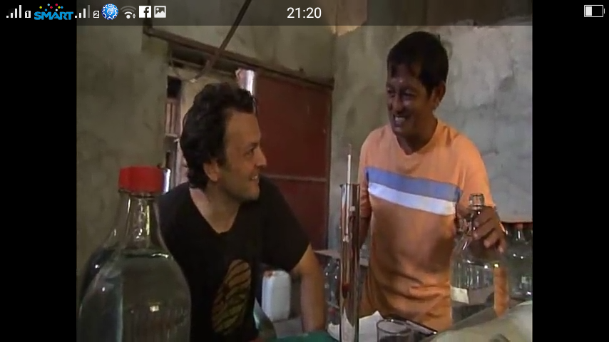 Foreigner tries Philippine Lambanog and the Art of Tagay-tagay